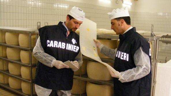 Controlli dei Nas sui Nebrodi: sequestrati un allevamento e formaggi non tracciabili