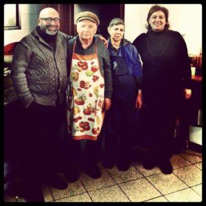 da-sinistra-francesco Federico, don Peppe, la signora Angelina e Santina Baglio