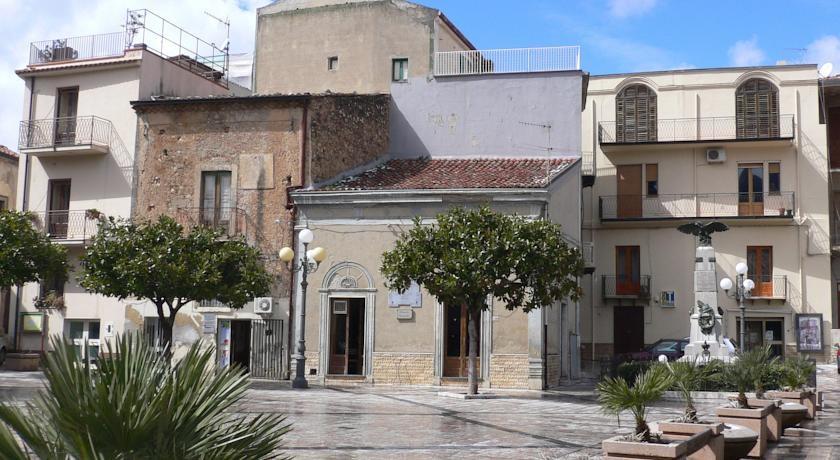 Piazza San Giacomo - Galati Mamertino